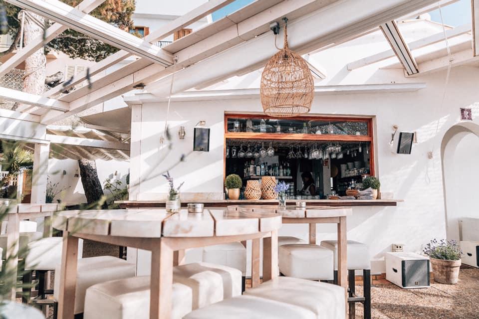 Noah's Lounge