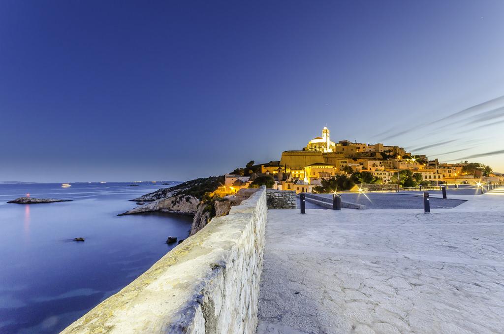 Descubre la magia de Ibiza y Formentera en temporada baja